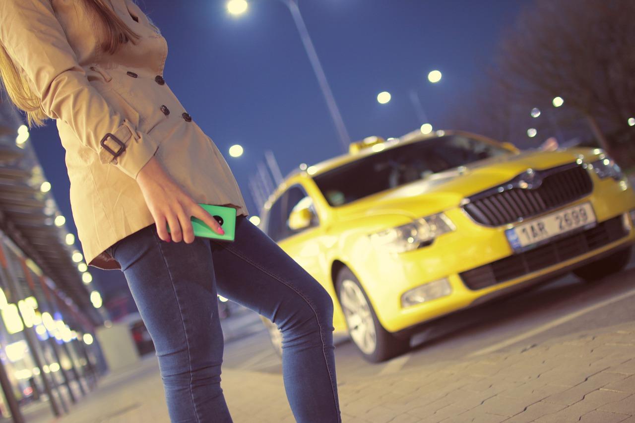 «Ингосстрах» будет оплачивать такси и каршеринг своим клиентам